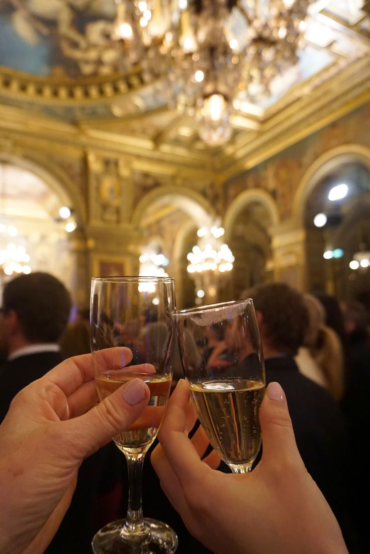 toasting at the American in Paris party for Deco-off photo by Gabriella Stephenson