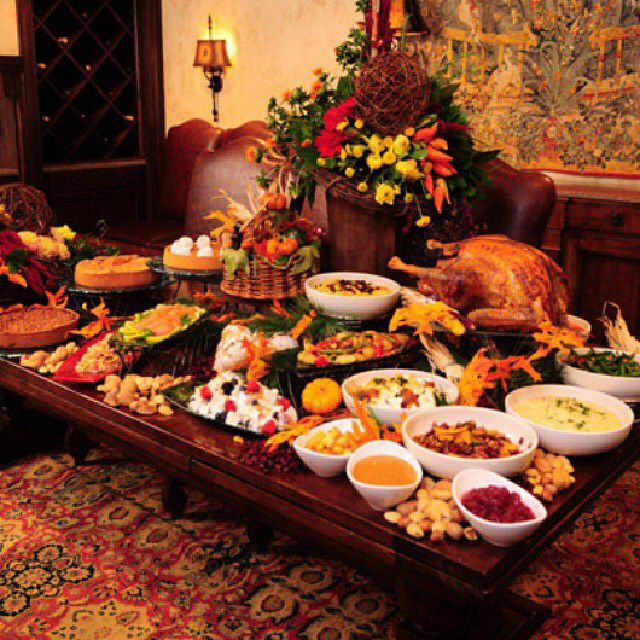 Thanksgiving buffet table ideas buffet set up pinterest for Thanksgiving 2016 home decorations