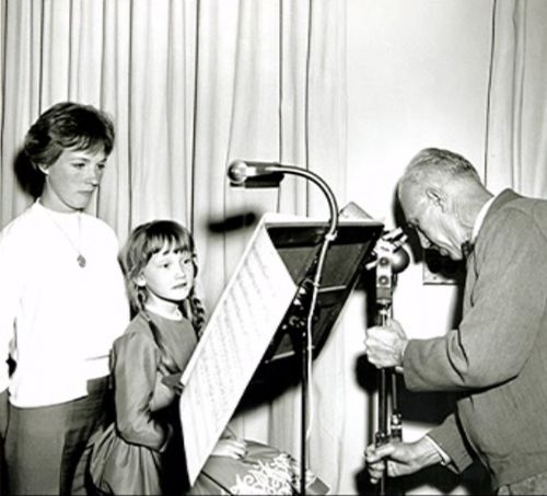 """Julie Andrews actually helped Karen Dotrice with a lot of her singing during recording, since she had been taught how to sing """"opera style,"""" while Walt wanted her to sound like a little girl with NO musical training."""