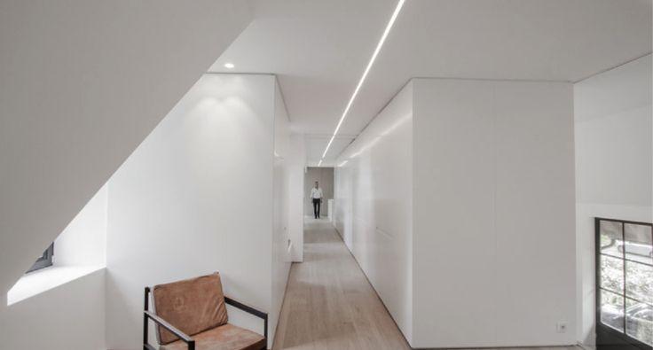 Maximum Minimaliste LB est le projet de conception étudiépour unclient belge par John Pawson, architecte et designer britannique connu pour son