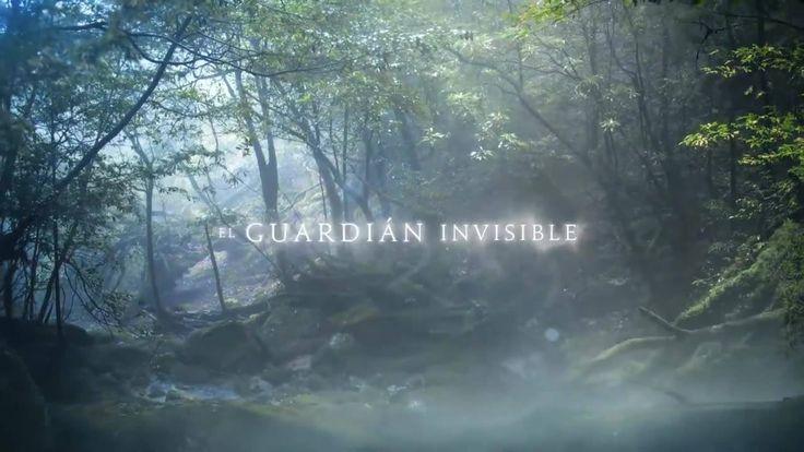 Acompaña al director Fernando González Molina en su viaje por el Baztán a través de El guardián invisible. La película basada en el best seller de Dolores Redondo Meira llega a los cines ESTE VIERNES.