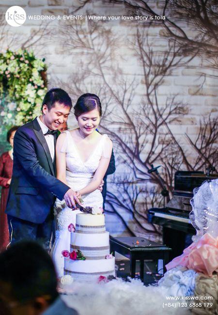 #weddingmoment #weddingphoto #cakecutting