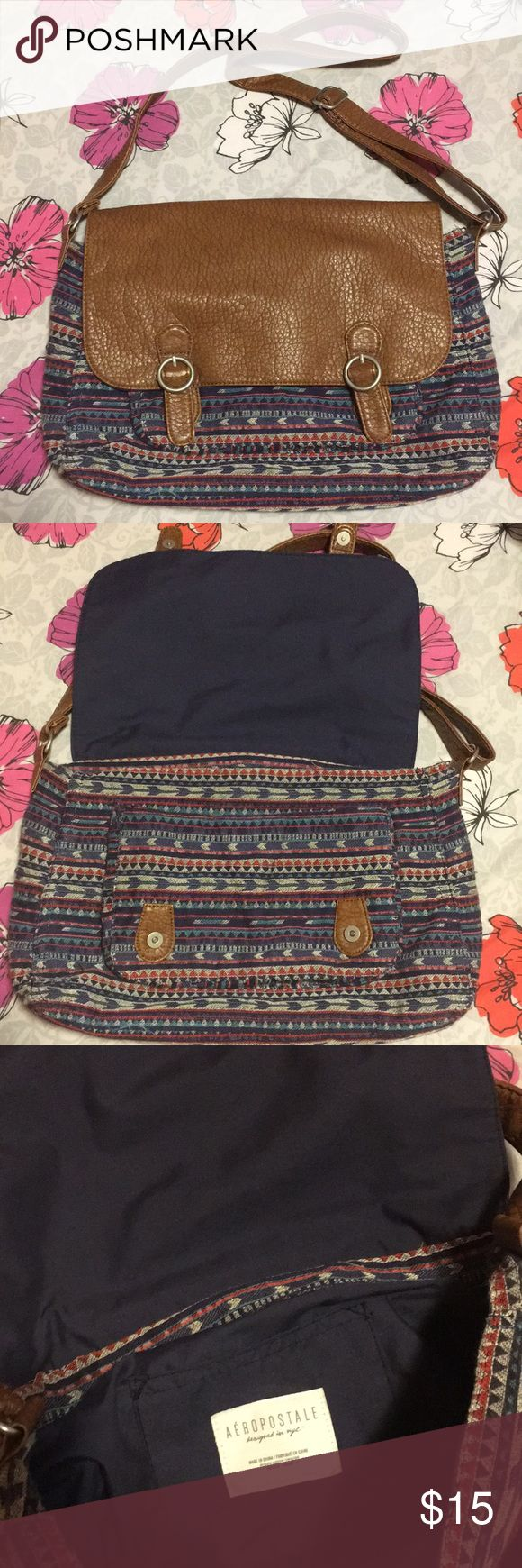 🎉SALE🎉 Boho chic messenger bag! This bohemian style messenger bag is great for school/college use. It's adds style to every outfit and is big enough to fit laptop and books! Aeropostale Bags Crossbody Bags