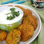 Ρεβιθοκεφτέδες στο φούρνο με ντιπ γιαουρτιού και πλιγουροσαλάτα
