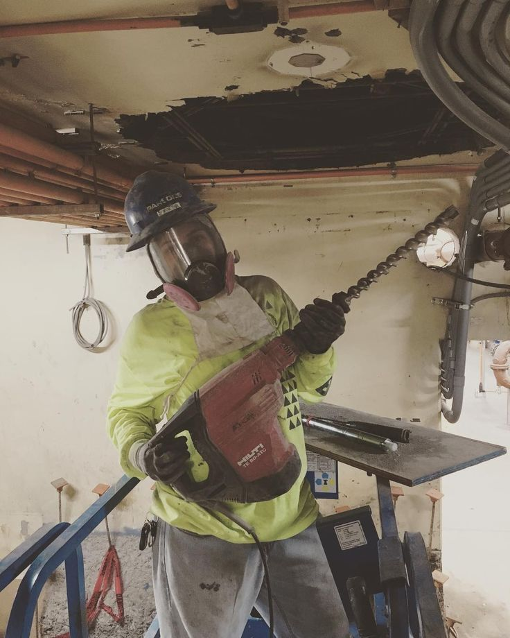 Because the other hammer drill wasnt big enough for the job!!! So I had to pull out the biggbustahh!!  installing the anchor bolts to drop in the 48 90 #construction #constructionworker #steamfitterwelder #unionproud #plumbers #successful #partna #journeyman #apprentice #impactgun #valve #steamfitterwelder #pipefitter #plumbersandpipefitters #plumbersandpipefittersunionlocal675 #local675 #unionmoney #union #unionproud #trophywife #dependapotamus #myass #welder #weldingbabe #mommywelder…