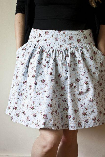Sewaholic Crescent Skirt: romantisch geblümelt