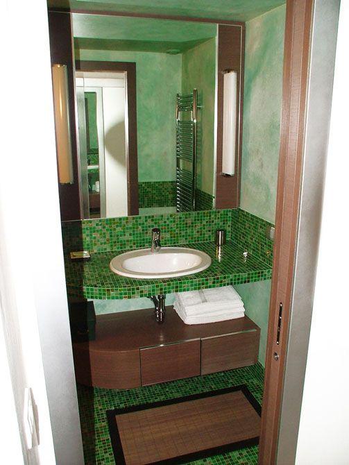 Arredamenti su misura  bagno su misura # custom bathroom #  mobile contenitore sotto lavello # cabinet under sink #
