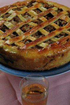 Frola of apples, cinnamon and walnut, with a prescription from Dolli - lanacion.com Blogs Full recipe translate