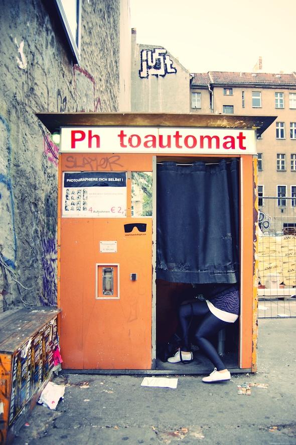 photobooth in berlin travel pinterest berlin germany. Black Bedroom Furniture Sets. Home Design Ideas