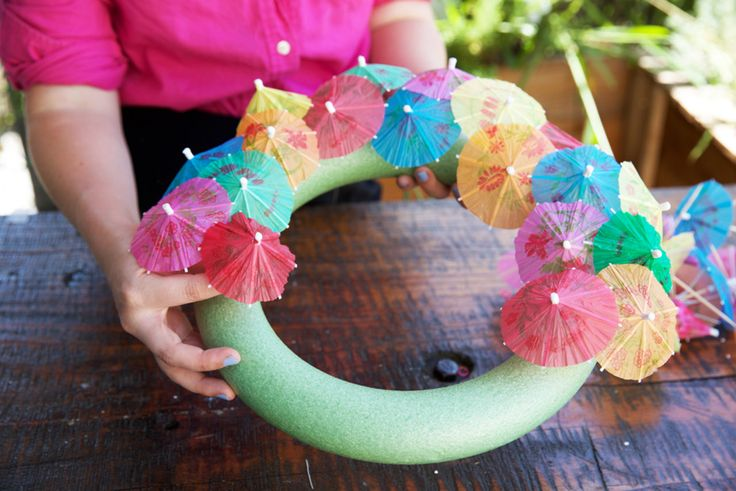 DIY Cocktail Umbrella Wreath