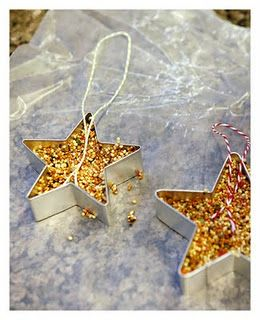 Use Cookie Cutters to Make Bird Feeders - Push Out After Forming -  Fun Christmas Craft for Kids
