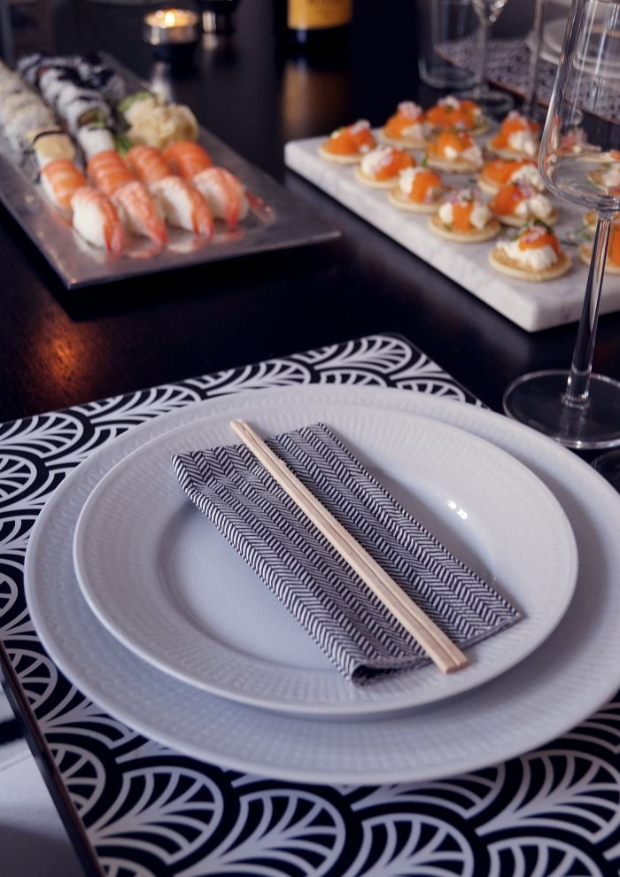 sushi-dukning-1.jpg 700 × 990 pixlar