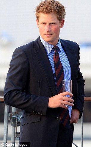 pics of prince harry   príncipe Harry, terceiro na linha de sucessão ao trono britânico ...