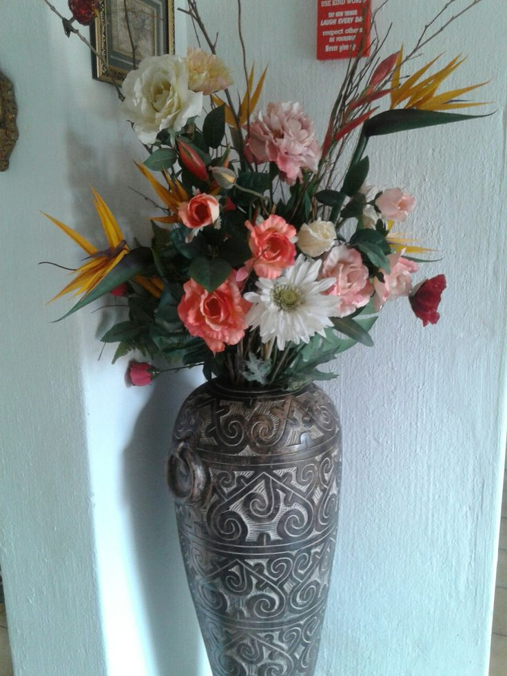 Flower arrangement by Anca