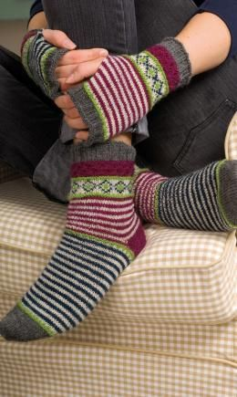Socks and Wrist Warmers for ladies in Regia 4-ply | KnitSMC.com