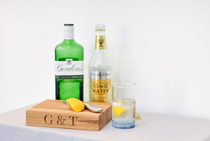 G & T Board £30.00 Who doesn't love a good old fashioned Gin and Tonic? So here is a board, perfectly made and perfectly formed to add toady kitchen or any bar where the perfect G & T , Pimm's or your favourite spirit can be prepared.  Choose from G & T, Ice and Slice or Pimm's or add your own favourite tipple.  15.5 x 20 x 4 cm