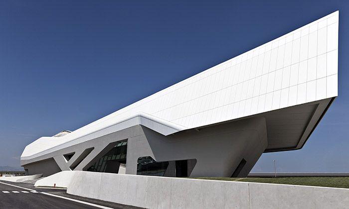Neapol postavila stanici rychlovlaku od Zahy Hadid