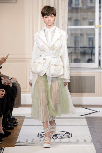 The complete Schiaparelli Spring 2018 Couture fashion show now on Vogue Runway.