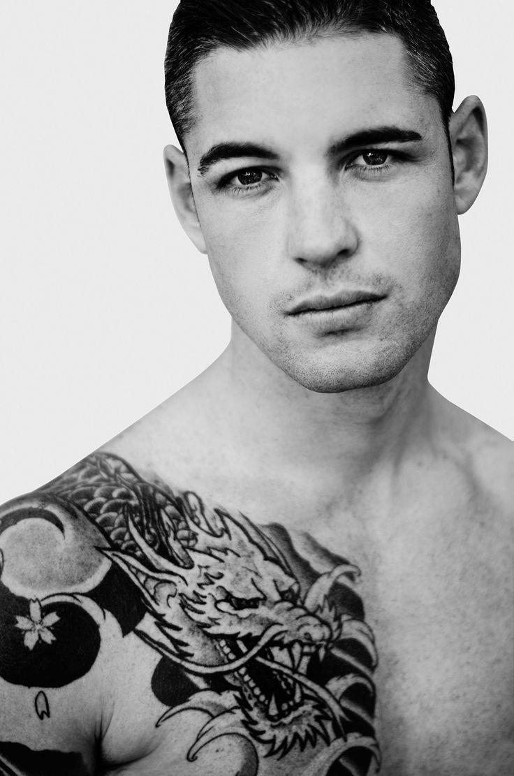 Fotografía: Sonia Díaz www.soniadiaz.net  Modelo: Victor N (5thavenuemodels) #barcelona #blanco y negro #blasck and white #boy #desnudo #editorial #fashion #fotografo #hombre #man #men #miranda de ebro #moda #modelo #tatiaje #tatto #tattoed #tattos #tatuado #tatuajes