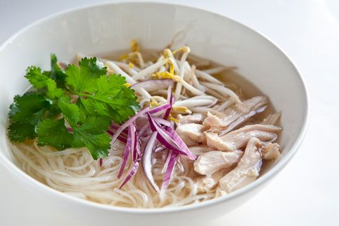 chicken pho in a slow cooker