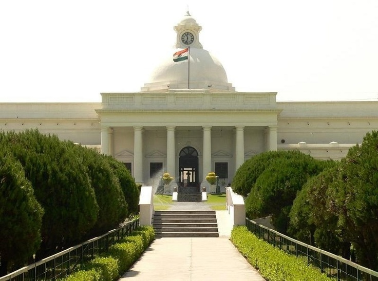 Is this the most iconic pic of IIT Roorkee?