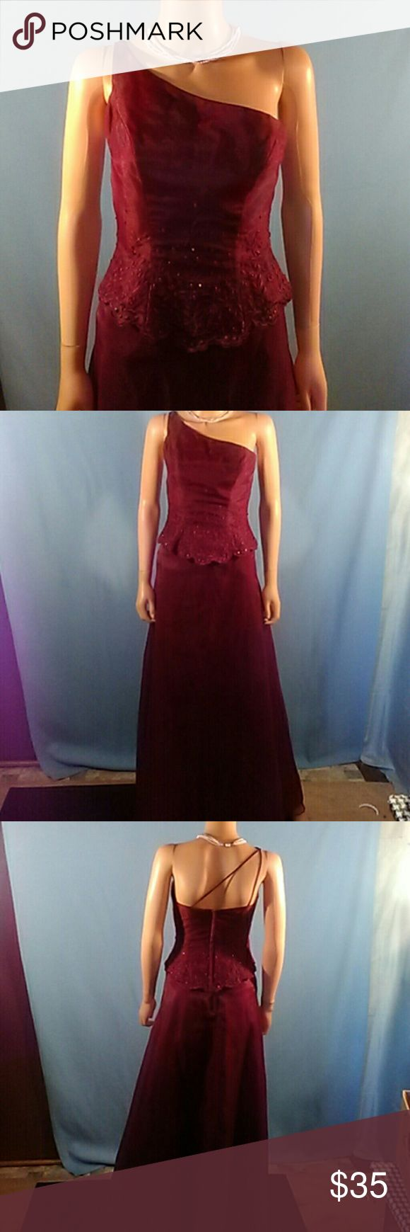Mori Lee Dress Beautiful Two piece dress. Maroon with flowers and beads on top half. Mori Lee Dresses