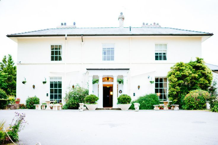 Highfield Hall wedding venue by photographer Corinne Fudge