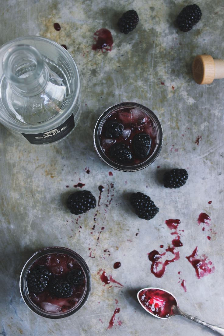 Blackberry SAGE Jam Cocktails: Sage Jam, Sage Cocktails, Food & Drinks, Jam Cocktails, Blackberries Sage, Gin Drinks, Raspberries Jam, Food Drink, Blackberries James