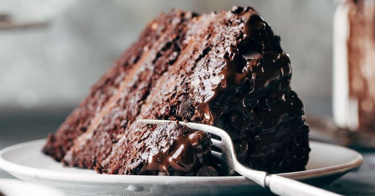 Blackout Chocolate Cake is the best chocolate cake!! with a chocolate cream cheese frosting and chocolate chip exterior just to be a little OMG.