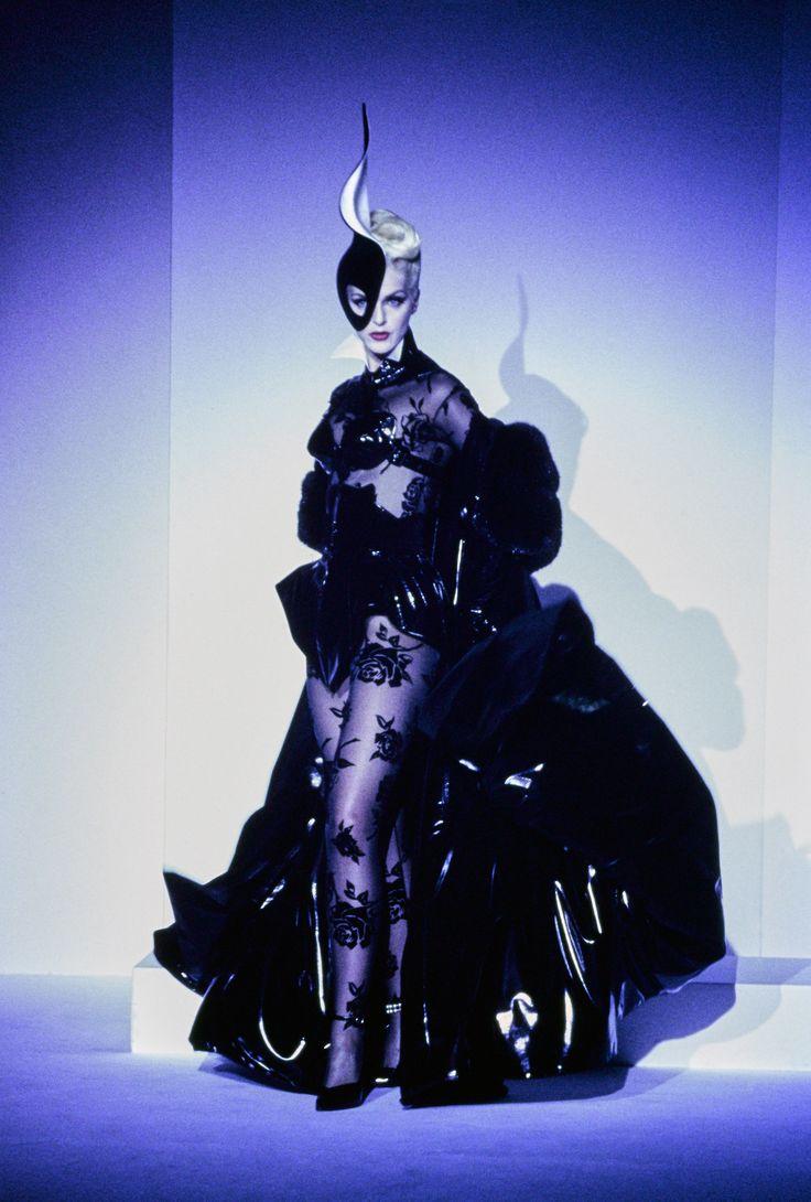 Mugler Fall 1995 Couture Fashion Show - Simonetta Gianfelici