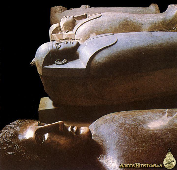 sarcofagos antropoides fenicios