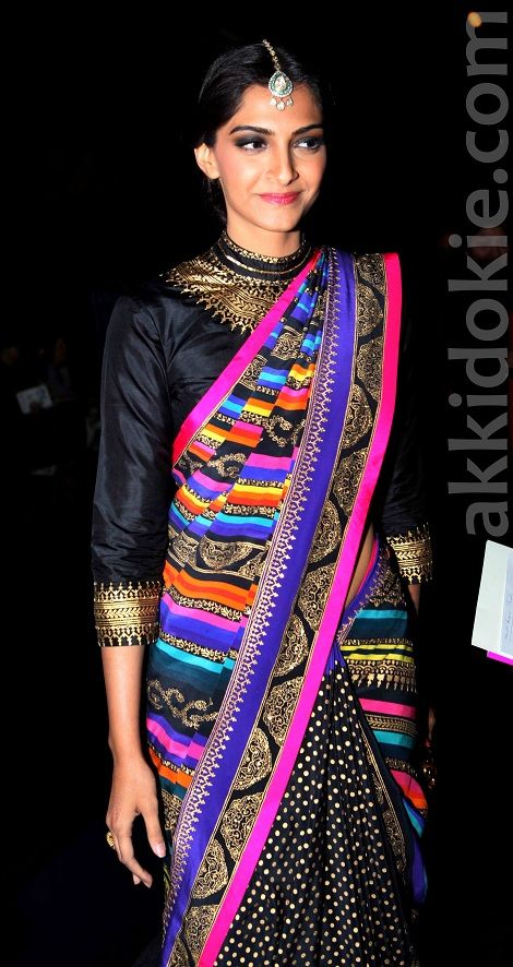 Sonam Kapoor at Wills Lifestyle India Fashion Week. Love the colors!!