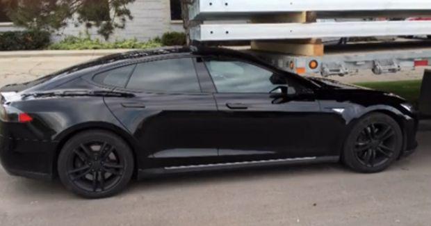 Tesla Updates Autopark