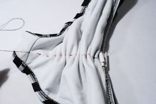 How to Make a Scrunch Bikini Bottom Tutorial DIY | Geniabeme Beauty Blog