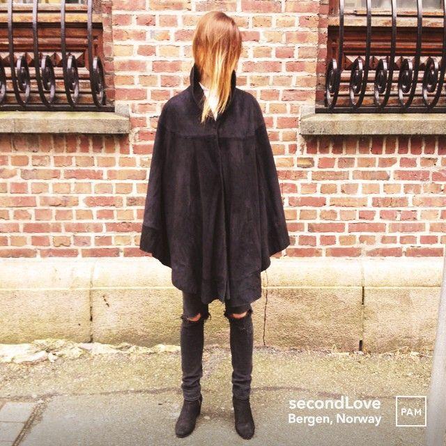 Gucci Leather Cape @ secondLove. #gucci #leathercape #designerwear #italiandesign #secondhand #unique #oneofakind #womensfashion #secondlove #womenswear #hybridshopping #bergen #norway