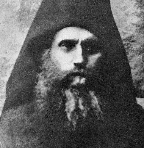 Omul MÂNDRU se teme de REPROȘURI, iar cel smerit primește cu bucurie ocările - Sfântul Siluan Athonitul | La Taifas