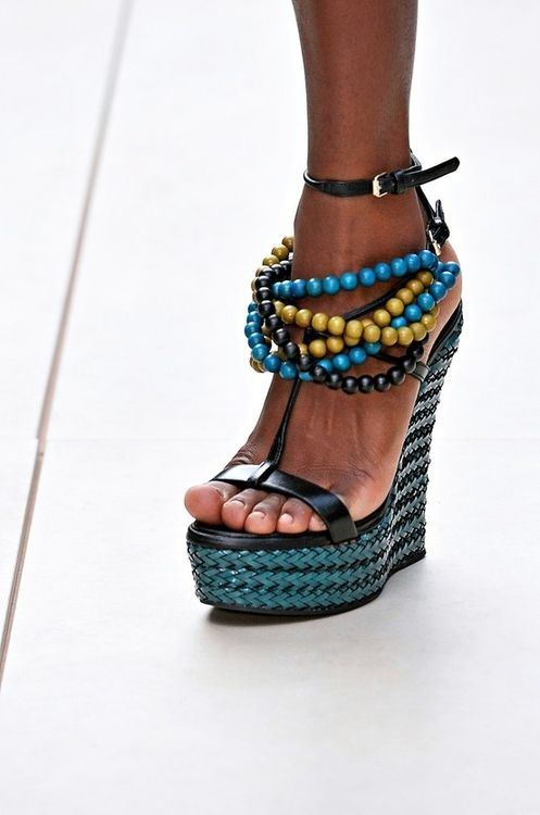 #Burberry Prorsum, London Fashion Week Spring 2012. The color of these #shoes is wonderful!