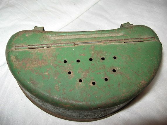 Fishing bait box green metal tin creel belt box old pal for Fishing worm box