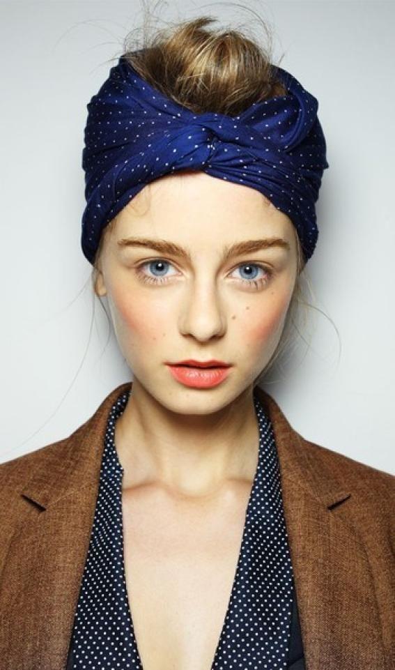 Trendy Mood   Comment porter un foulard dans ses cheveux    http://www.trendymood.com