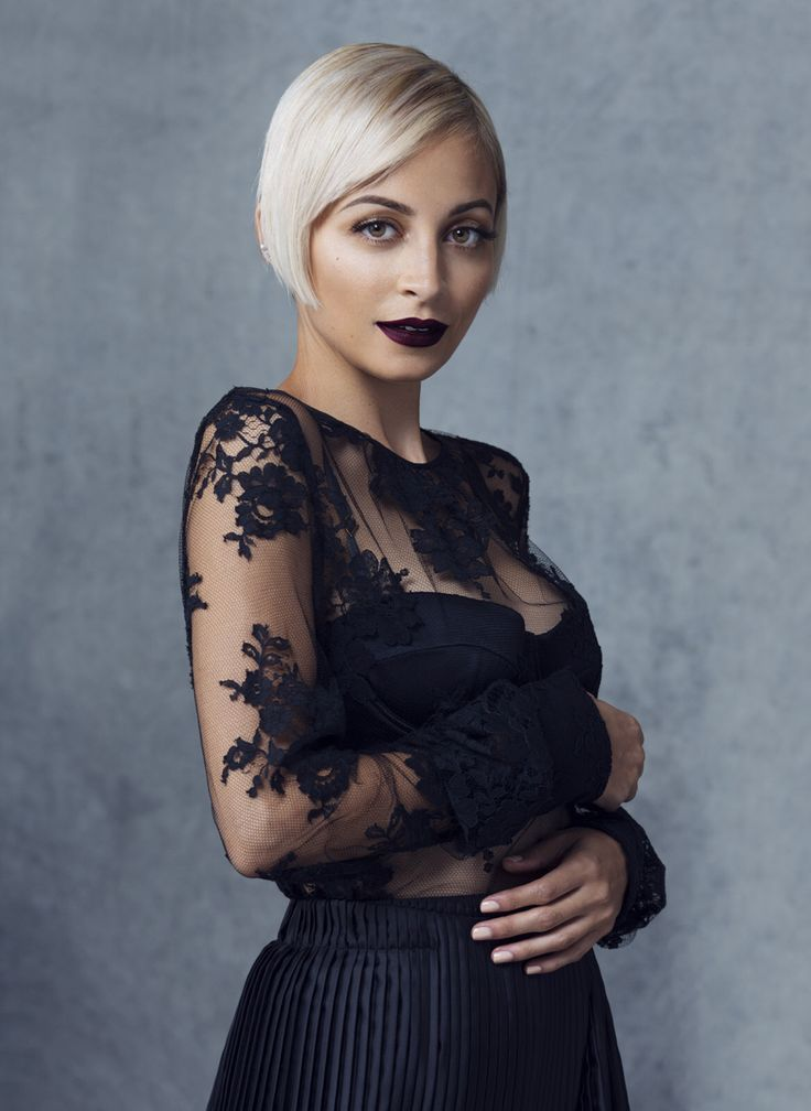 Nicole Richie [Chic] with all-black n sheer lace with black lip n light hair ( will try with grey, silver white mane)