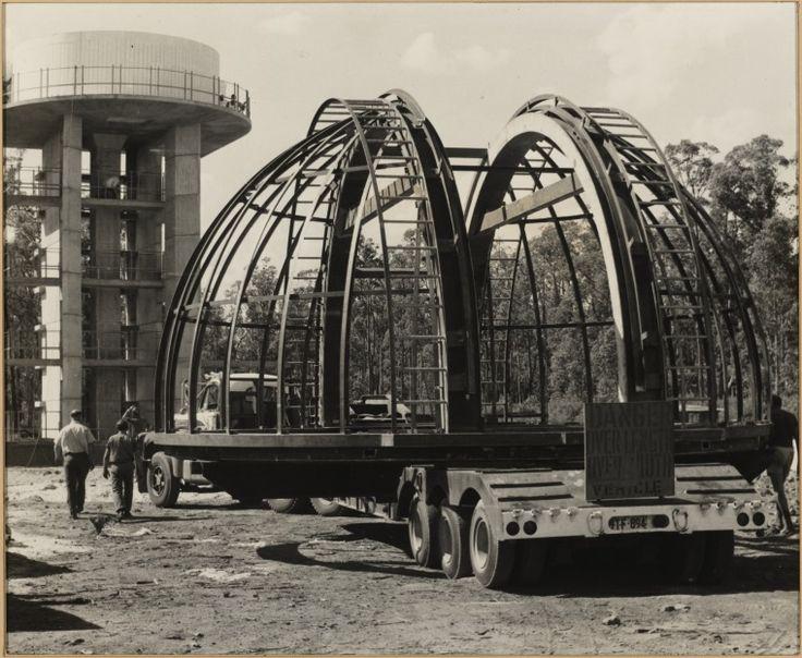 BA2935/2: Truck laden with the Perth Observatory Dome, Bickley, Western Australia, 1971. http://encore.slwa.wa.gov.au/iii/encore/record/C__Rb5527539
