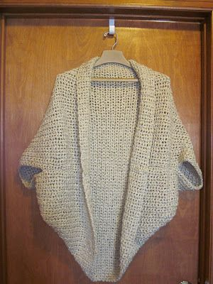 The Crafty Novice: DIY: Comfy Crochet Shrug Detailed pattern and pictures as she goes. Just follow the bouncing ball.