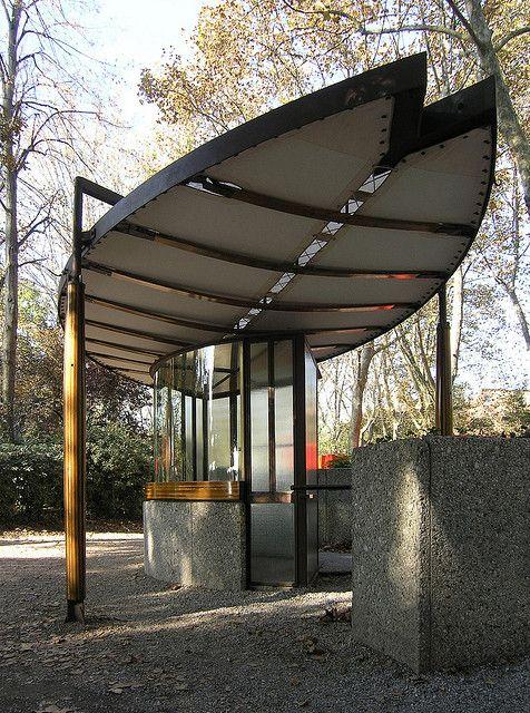 carlo scarpa, biennale ticket booth, venice 1952 by seier+seier, via Flickr