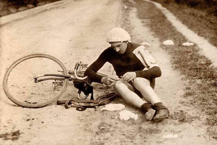 Feliks Rawski 1913. Mistrz Jazdy Królestwa Polskiego. Photo Credit: Warszawskie Towarzystwo Cyklistów i Ośrodek KARTA
