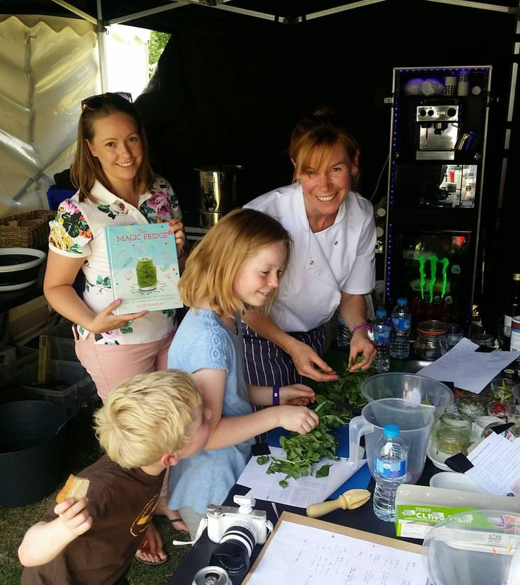 All go, prepping for that first demo. Note the basil, often a star in Al's cooking! & in The Magic Fridge!