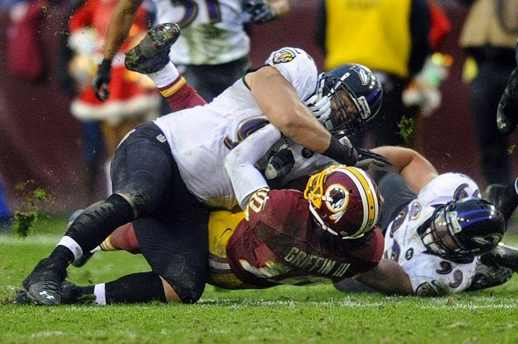 Ye Olde Journalist: Sports: RG3 has dislocated ankle; Redskins win convincingly behind Cousins