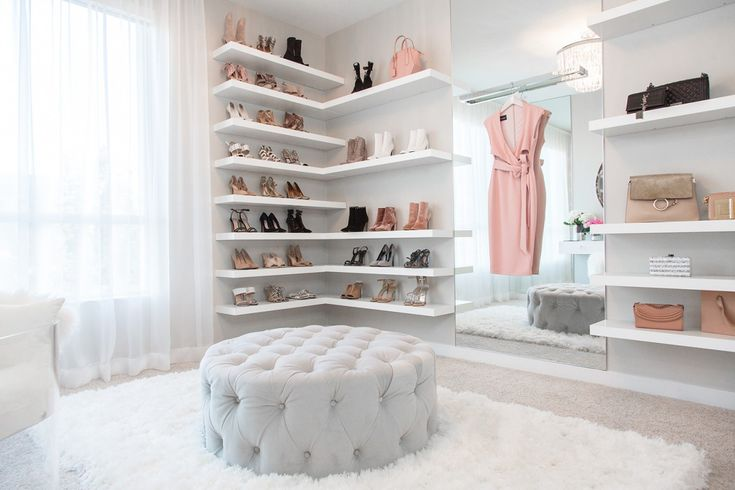 5 Fashion Blogger Closets that will make your heart skip a beat