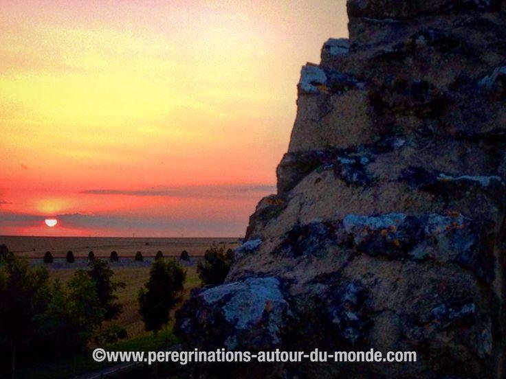 Coucher de soleil sur les remparts de la cité médiévale de Provins