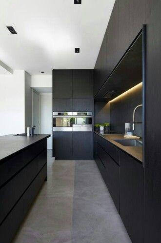 Minimal Black Kitchen · Moderne KüchenNeue ...