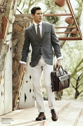 Leather bag, pocket square, looking good | Tapiture.com